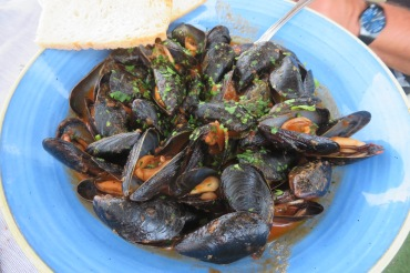 Mussel soup is delicious!
