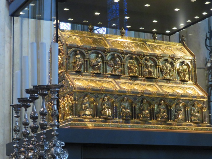 Precious shrine of the three kings in the Cologne cathedral