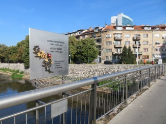 2018 Sarajevo special bridge Suada Dilberović and Olga Sučić were among the first 6 deaths on April 5, 1992. Romeo and Juliet couple perished here. And UN fought serbs here.